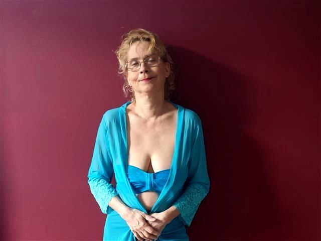 Erotische Freundin Annie sucht einen Stecher