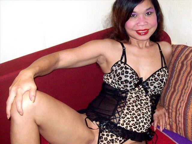 Erregende Ehefrau Frauke will geilen Sex