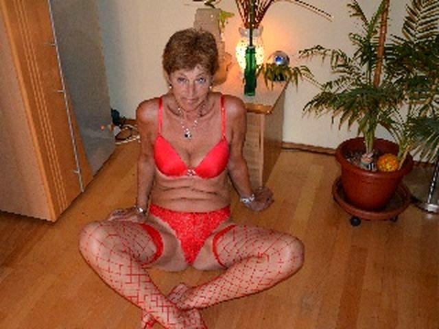 Gerne blasende Singlefrau Heidi möchte jetzt bumsen
