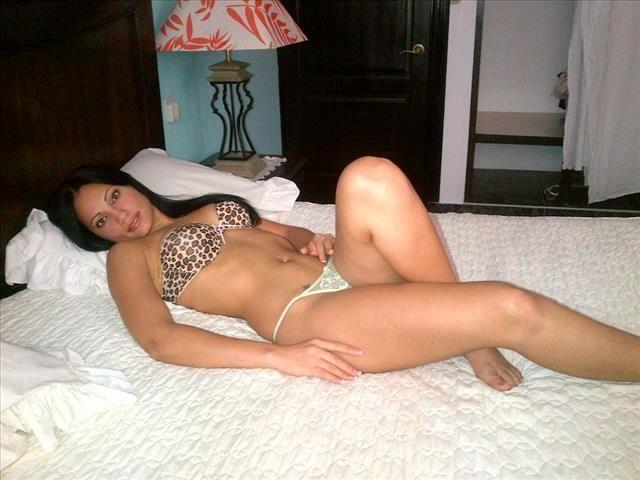 Sexbesessene Mutti Grace möchte einen fürs Bett