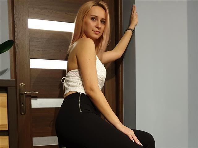 Sexy Masseurin Olivia ist total geil