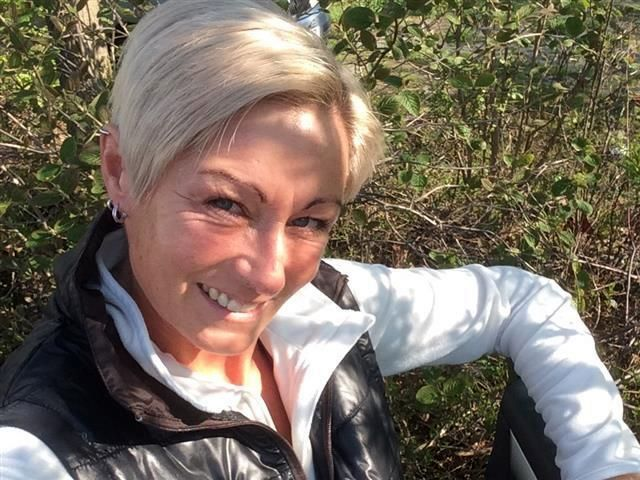 Stinknormale Bikerin Maria will keine Sextoys