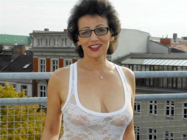 Verführerische Tussi Marie ist attraktiv