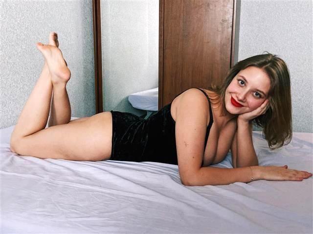 Etwas devote Tusse Sophia will Sex haben