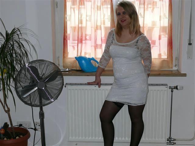 Fickgeile Ehefrau Melissa sucht einen Kavalier