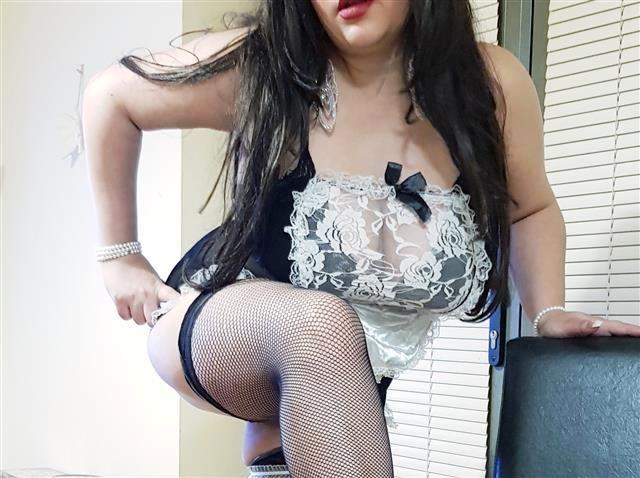 Gierige Singlefrau Gerda will endlich Sex
