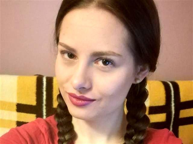 Gut ausgestattete Studentin Leticia möchte wieder poppen
