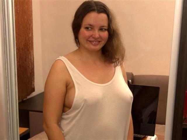 Gut poppende Hobbynutte Natalie möchte keine Dildos