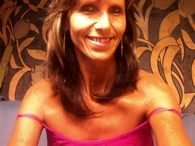 Körperliche Mudda Ida will einen Sexfreund