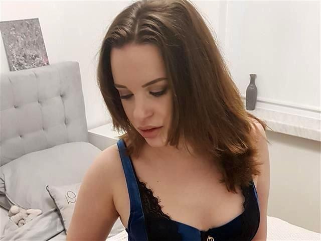 Sexreife Liebhaberin Josephine braucht einen fürs Bett