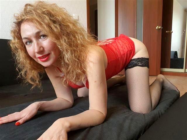 Sexreife Perle Stella möchte endlich bumsen