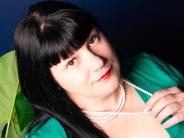 Wollüstige Singlefrau Vera sucht einen Bettgenossen